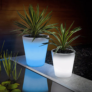 solar-powerd-led-plant-pot-clip.jpg