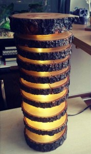 How-to-make-a-spectacular-lamp-with-logs4.jpg